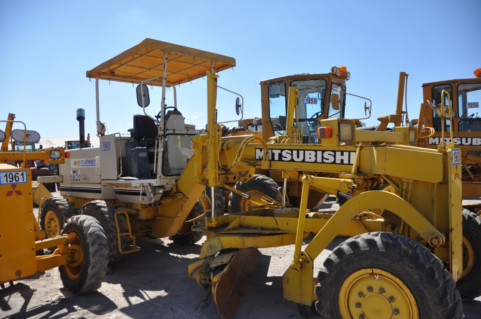 motorgrader mg 230 used