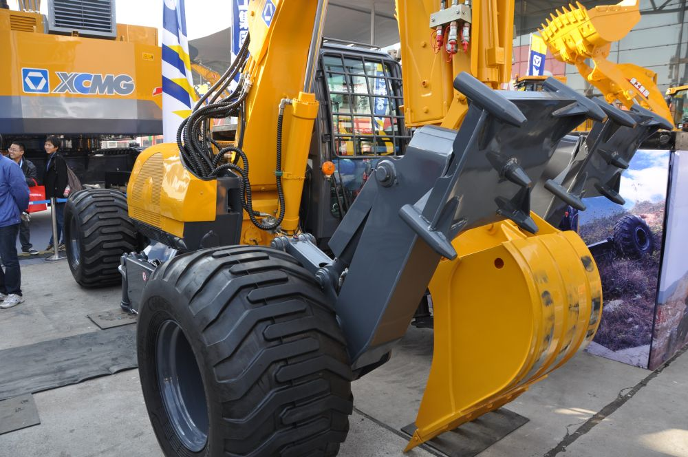 XCMG hydraulicher Mobilbagger